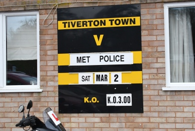 Tiverton Town host the Met Police