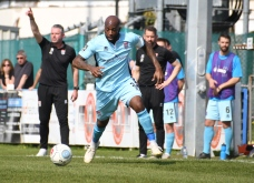 Anthony Straker arrives from Bath City